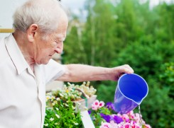 Personne agee en residence services seniors